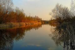 Широкие каналы между озерами.