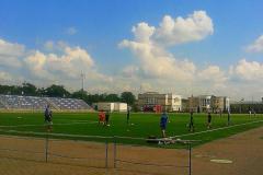 Тренировки на стадионе Юность.
